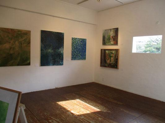 三浦さんの絵画展示