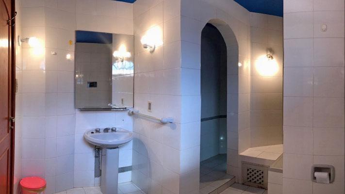 Baño compartido habitación 1 y 2