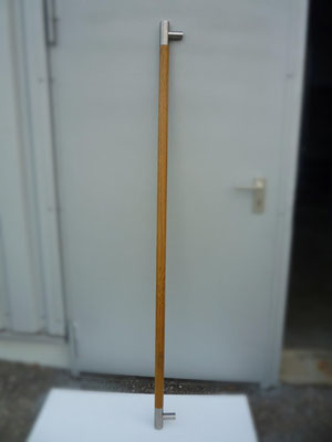 Türgriff aus Holz-Edelstahl-Kombination