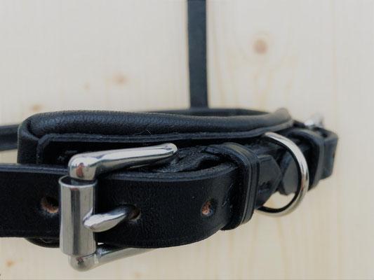 Separater Führring im Kinnstück, Schwarz