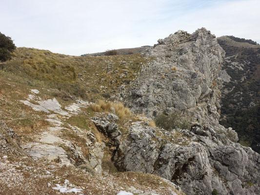 Mangels korrekter Schärfentiefe kommt dieser Fels nicht richtig zur Geltung.