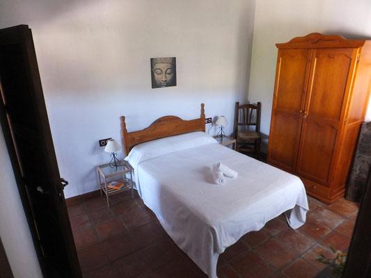 Das Bett misst 180cm x 135cm
