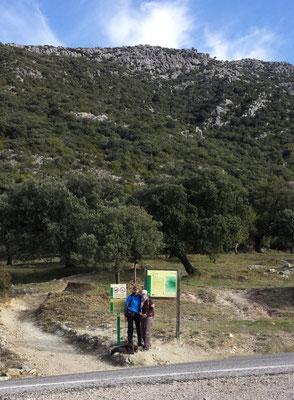 Der Startpunkt an der Landstraße A-372 zwischen El Bosque und Grazalema.