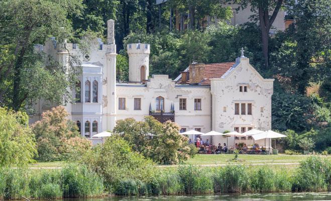 Kleines Schloss Babelsberg - Hier gibt es ein Café