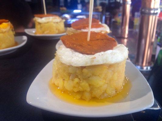 Timbal de tortilla de patatas, queso de cabra y farinato, Salamanca