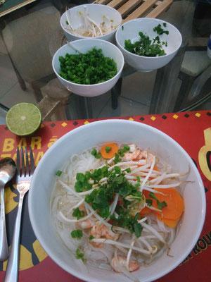 Soupe vietnamienne maison, même maison, je n'aime pas trop ... =(