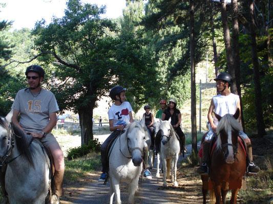 Paardrijden bij Champis.
