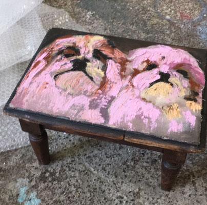 Keep Shining, Acryl und Öl auf Baumwolle und Schemeli, 32 x 25 x 19 cm, 2021