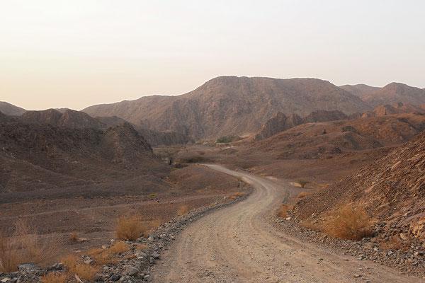 Driving deeper into Wadi Shawka.