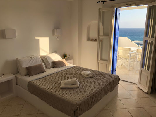 Our hotelroom with seaview.