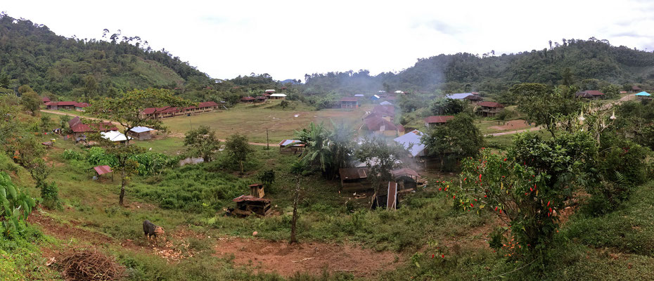 View on the town, our cabin is the one with the white sign in front (behind the smoke).