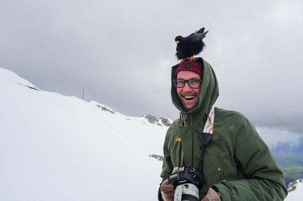 Fluffy bird on my head. © Niklas Banowski