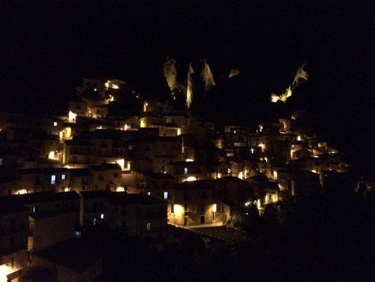 Castelmezzano at night. © Jesse Erens