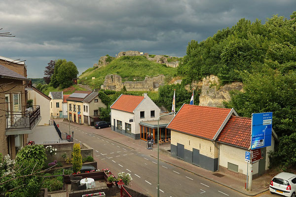 View from our hotel balcony on the castle ruin of Valkenburg.