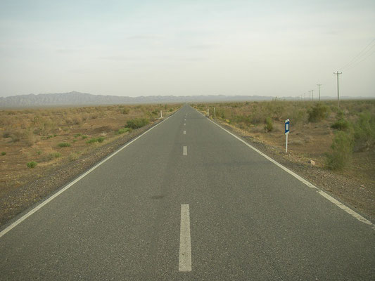 Desert(ed) road
