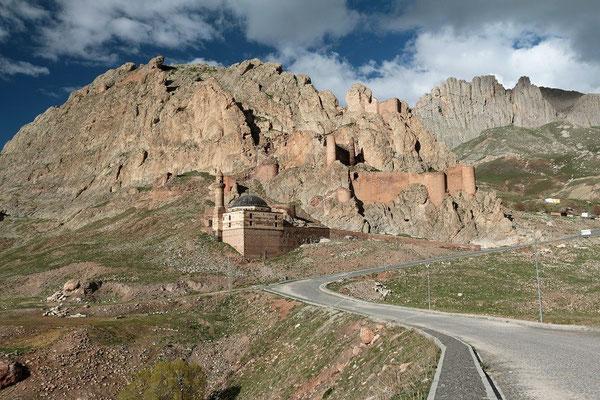 Ishak Pasha scenery