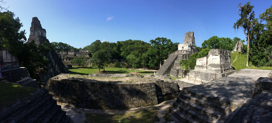 Panorama picture of the temples around the Gran Plaza.