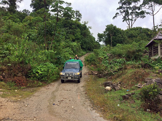 After an unpassable barrier for our car, Manuel and Joachim found this truck to take us further in the jungle.