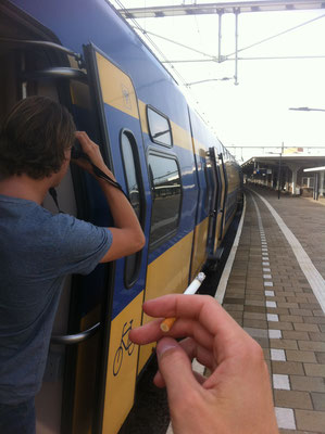 Birders can be useful during smokebreaks at the trainstation, ensuring the train won't be missed.