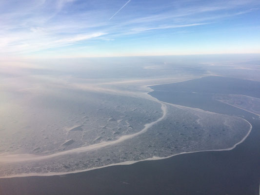 What a welcoming sight awaited us, shortly before landing in Amsterdam...