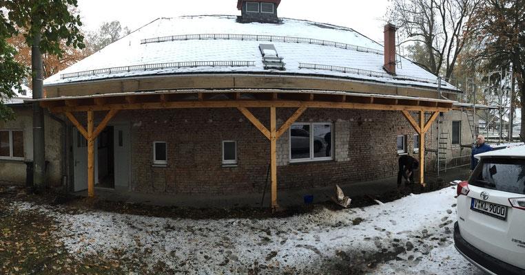 Die erneuerte Dachkonstruktion im Panorama.