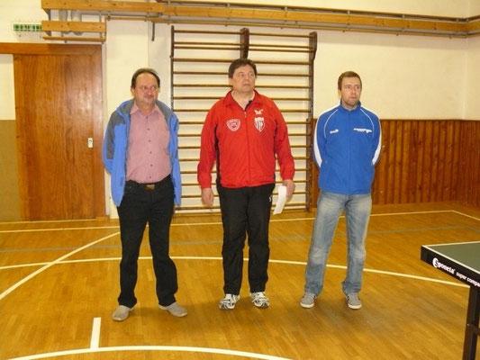 Offizielle Begrüßung  -  v.l. Jonny Ansorge (Bürgermeister Pausa-Mühltroff), Detlev Pensold (Vorstand Abt. TT), Roy Zimmermann (stellv. Vorsitzender MSV)