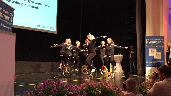 Unsere Mädels der Sektion Kunstrad vom MSV bei ihrer LIVE-Performance auf der Bühne.