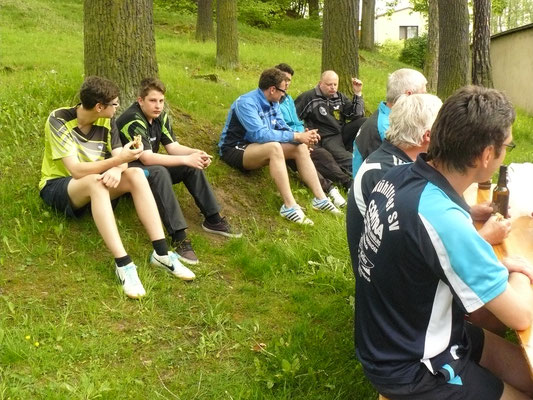 Vereinspokal 2016 - Grillerchen nach der Vorrunde v.l.: Adrian Graap, Leon Broßmann, Sebastian Heinz, Marcel Ring, Bernd Heller, Peter Schliwa, Horst Bage, Thomas Graap