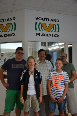 Gruppenbild mit Jan Kessel, Anne Krahmer, Uwe Schwarz (Moderator), Bastian Seidel und Torsten Zimmermann als Erinnerung an einen tollen Tag für den MSV.