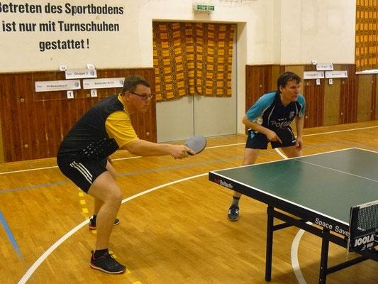 34. Osterturnier - Jan Kessel & Toni Schellenberg (v.l.; MSV III) in Lauerstellung