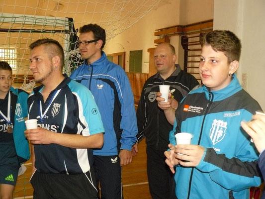 Vereinspokal 2016 - Ein Prosit v.l. Bastian Seidel, Mario Böttger, Sebastian Heinz, Bernd Heller, Leon Broßmann