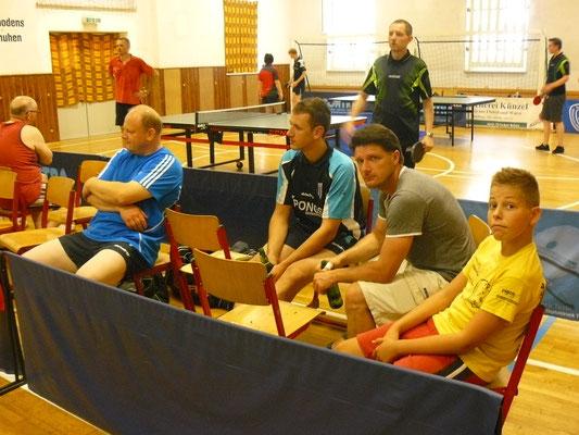 Leider nur Zuschauen bei den Finalrunden: Bernd Heller, Sebastian Heinz, Marcel Ring und Bastian Seidel (v.l.)
