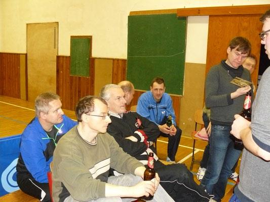 Vorbereitung am Karfreitag - Diskussion über die Erwartungen der Mühltroffer Teams