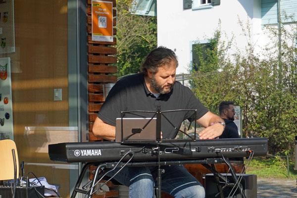Musikalische Unterhaltung: Marco Mazzotti