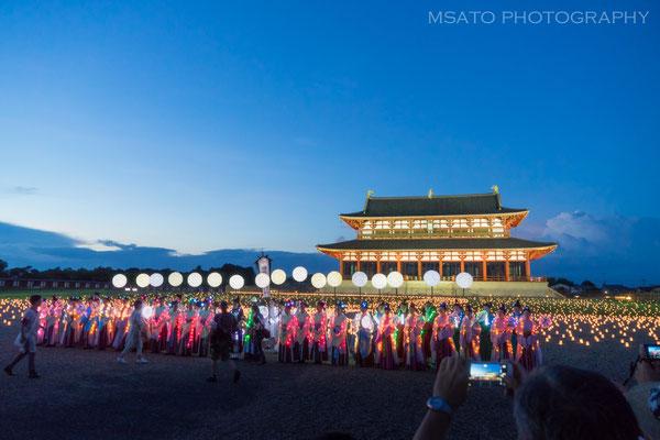 29 - Província de NARA. Tenpyo Festival. O festival leva você de volta ao período Nara, no antigo local do Palácio Imperial de Heijokyo e o tema Tanabata ou festival das estrelas, basea-se em uma lenda de dois amantes transformados em estrelas.
