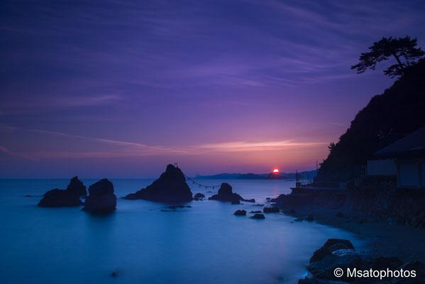MIE Province -  Ise shi, Futamigaura Meotoiwa.