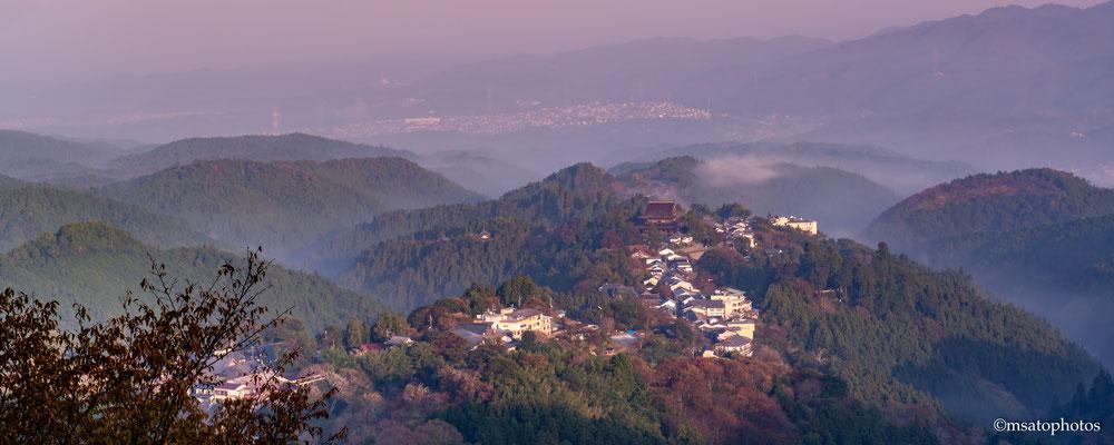 29 - Província de NARA. Yoshinoyama Um pequeno vilarejo perdido nas montanhas ao sul da província de Nara, em julho de 2004 foi registrado no Patrimônio Mundial, como Locais sagrados e Rotas de peregrinação UNESCO.