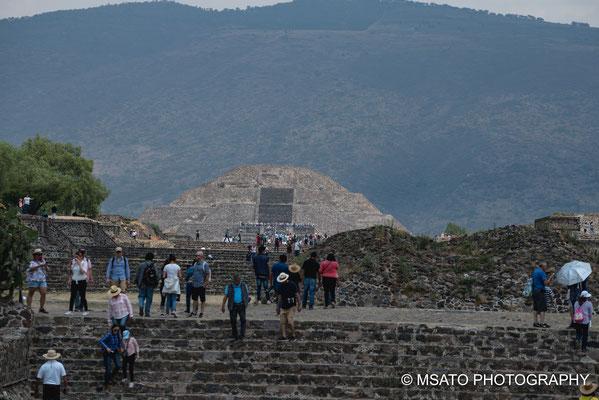 MÉXICO - Teotihuacan, Piâmide da lua.