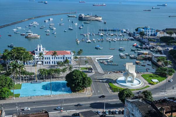 BRASIL - Bahia, Salvador vista da área do porto.