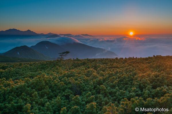 NAGANO Province - Amanhecer visto a partir das planícies de Norikura.