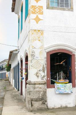 BRASIL - Parati, antiga cidade preservada, patrimônio inscrito na UNESCO, guarda o chame do Brasil Imperial.