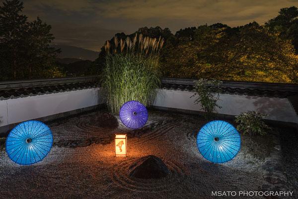 29 - Província de NARA. Festival das lanternas. No templo Oku, no vilarejo de Asuka anualmente no verão acontece o festival de lanternas.