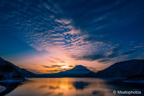 YAMANASHI Province - Monte Fuji visto a partir do lago Motosu_01.