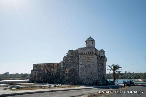 CUBA - Forte de Cojimar. Encontra-se a 22 km de Havana, construído pelos espanhóis em 1649 como parte de um sistema de proteção da cidade.