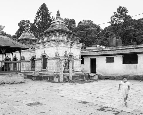 NEPAL - Templo Pashupatinath, cenas do cotidiano nepalês.