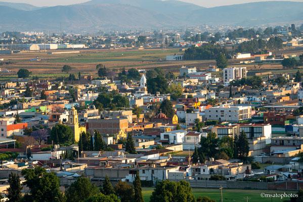 São Pedro Cholula - Localiza-se no centro oeste do México, uma cidade muito colorida e charmosa e possue muitas igrejas.