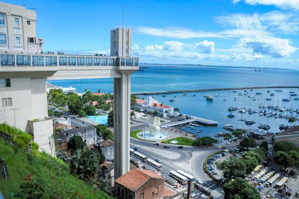 BRASIL - Bahia, Salvador vista do elevador Lacerda.