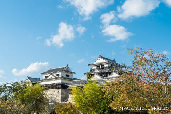 38 - Província de EHIME. Castelo de Matsuyama. Construído no cume do monte Katsuyama, dentro da cidade de Matsuyama, é o primeiro castelo construído na ilha de Shikoku.