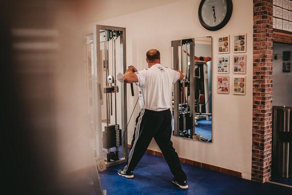 Fitnessstudio Schönberg Rehasport Reha Studio sport Fitnessgeräte Trainingsplan Rehakurs Rehaübungen Rehabehandlung Dassow Selmsdorf Lockwisch Lüdersdorf Bardowick Rehna Vitense Groß Siemz