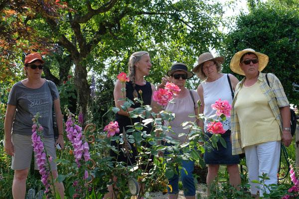 Gruppenbesuch im Garten